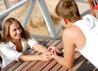 7 τρόποι για να εντυπωσιάσεις το κορίτσι που σε ενδιαφέρει