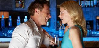 Μυστικά του φλερτ για να ρίξετε μια γυναίκα σε κλαμπ